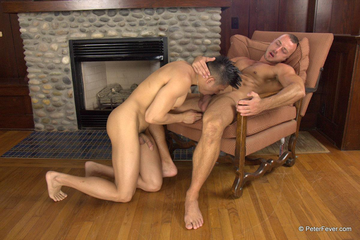 Peter-Fever-The-Asiancy-Peter-Lee-and-Jessie-Colter-Big-Cock-Asian-Guy-Fucking-White-Muscle-Guy-Amateur-Gay-Porn-11 Big Asian Cock Stud Fucks A White Muscle Guy In His Bubble Butt