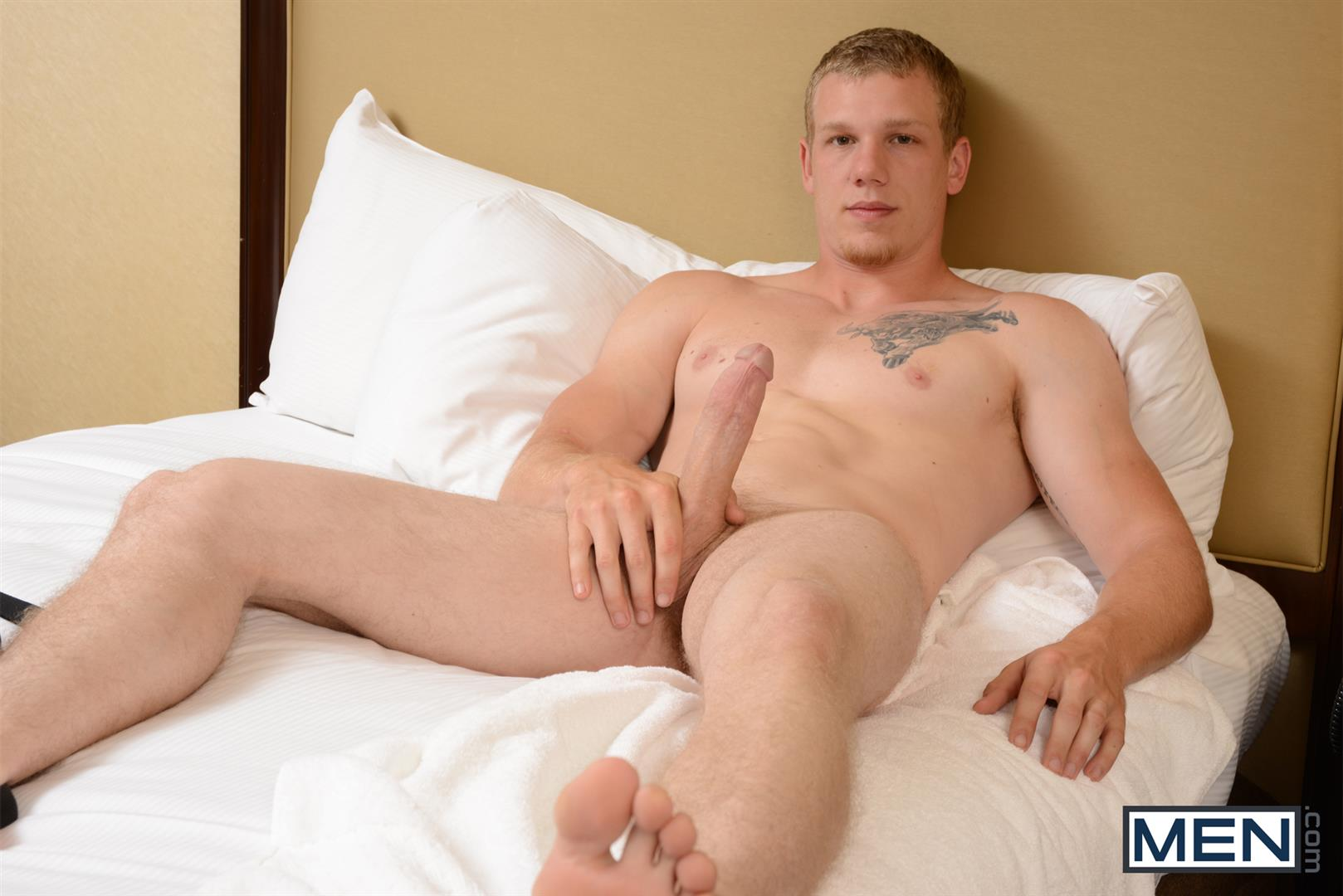 Amateur muscle jock sucking thick cock and ca 1