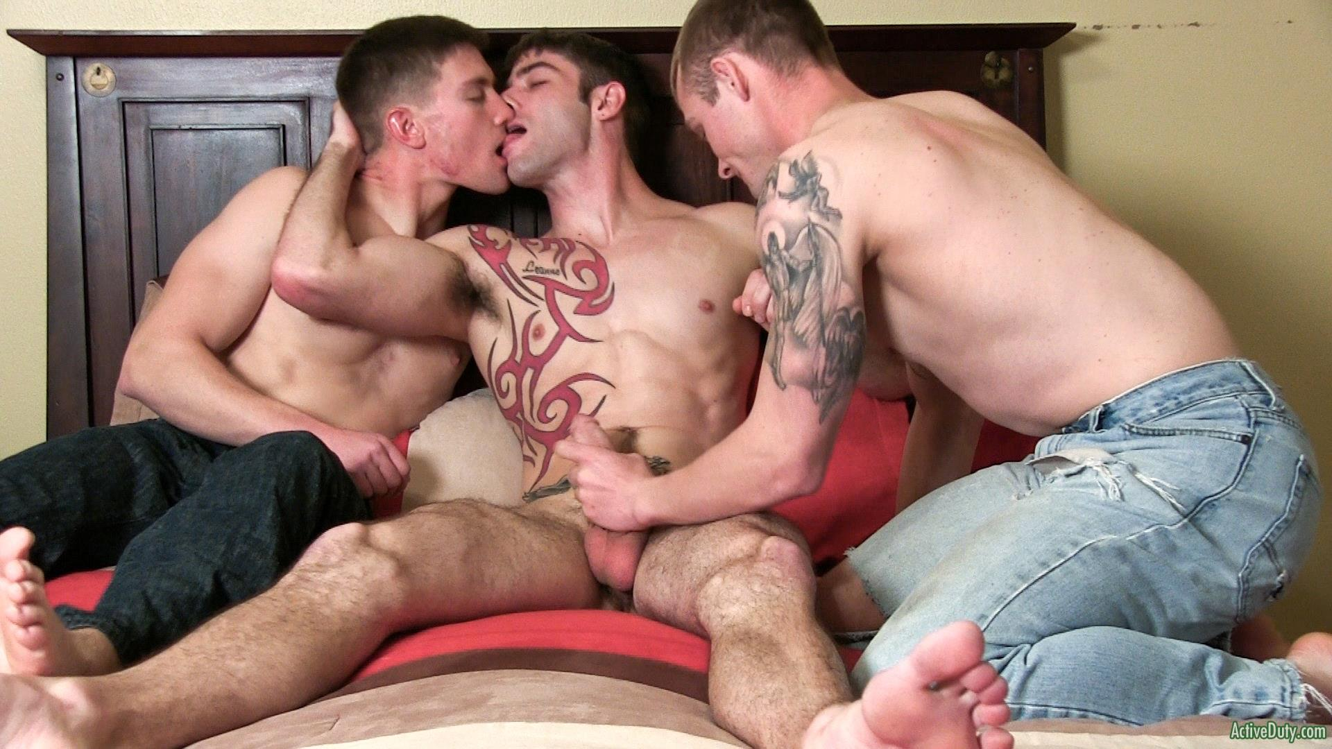 Active-Duty-Jake-Riley-Shea-Three-Straight-Army-Guys-Fucking-Hairy-Ass-Amateur-Gay-Porn-01 Three Way Army Buddy Hairy Ass Flip Flop Fucking